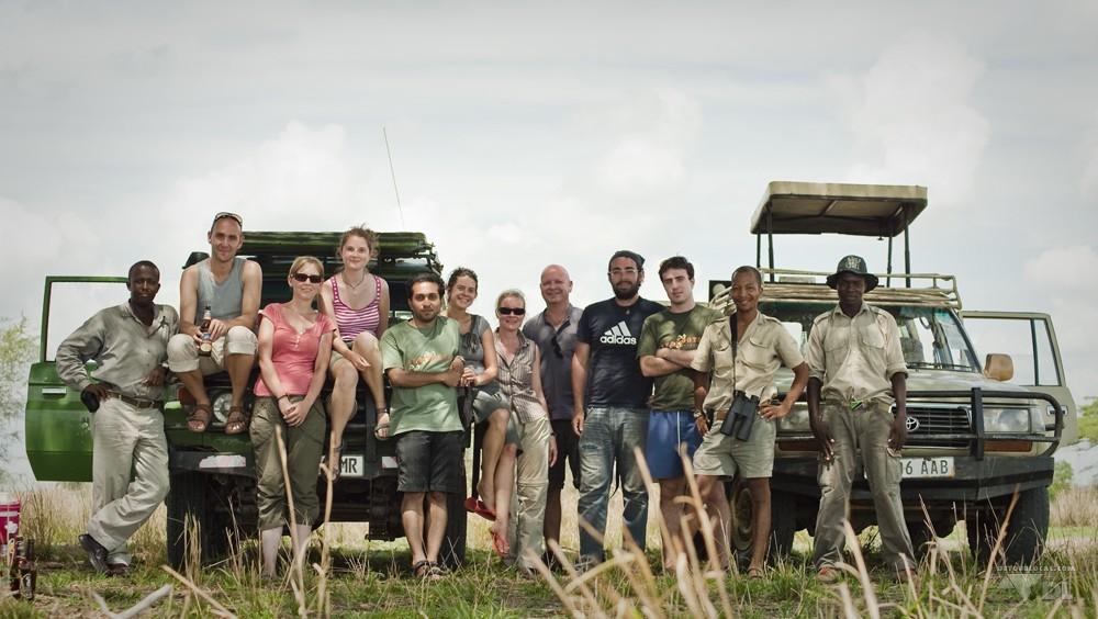 Notre groupe de joyeux lurons pour un safari dans le parc Selous