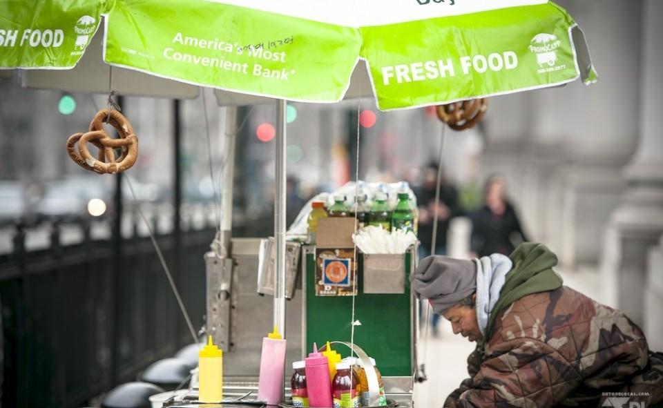 Manger dans la rue à New York c'est abordable, malsain pour son régime, mais oh comment délicieux