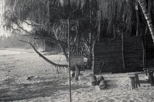 Petite hutte où passer la nuit aux rythmes des vagues