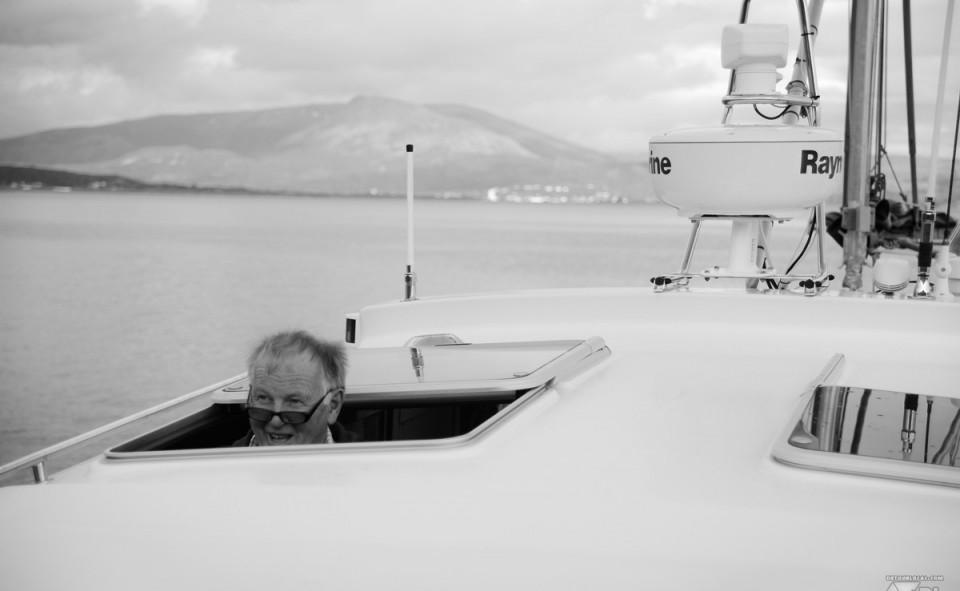 Ole Johnny qui fait son clown sur son bateau