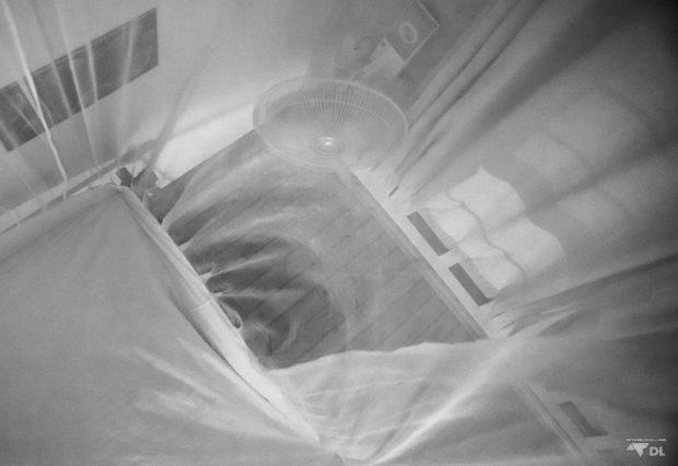 Délire et forte sueur dans mon petit lit douillet