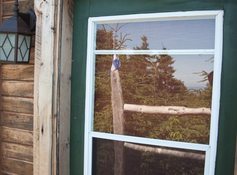 Une belle cabane québécoise en bois comme on les aime....