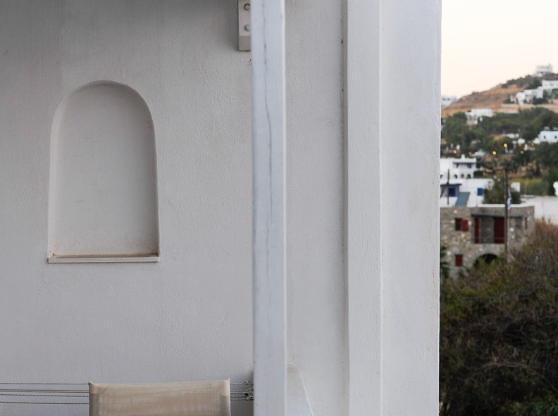 Le petit balcon de notre studio, idéal pour la grâce matinée