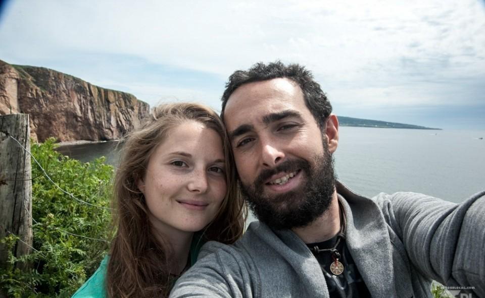 Photo officielle au pied du rocher Percé au Québec