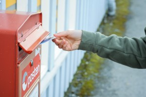 Envoyer une carte postale sans timbre, c'est possible!!