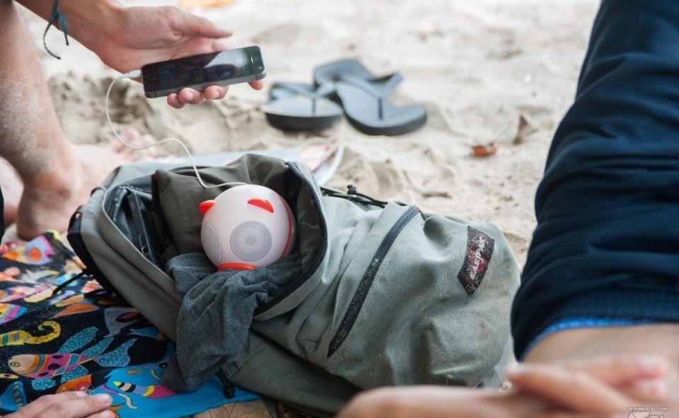 Un petit baffle est votre compagnon idéal pour la plage