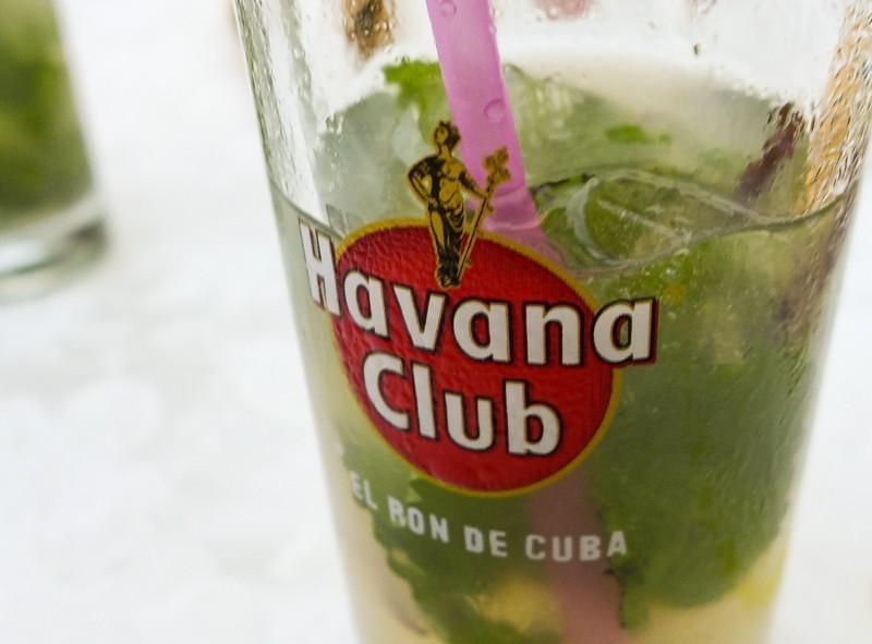 Le mojito fait avec du rhum Havana Club, la boisson nationale de Cuba