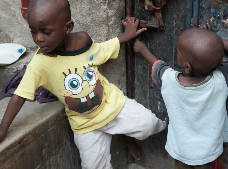 Les jeunes de l'orphelinat à Dar es Salaam en Tanzanie