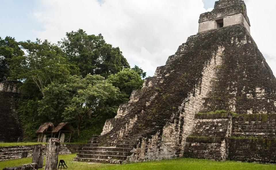 Temple Tikal et visite des Mayas