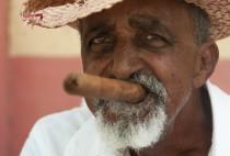 L'arnaque du faux cigare cubain ou celle de ces figurants demandant 1CUC pour vous prendre en photo avec eux