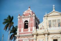 Balade dans la ville à la recherche des églises