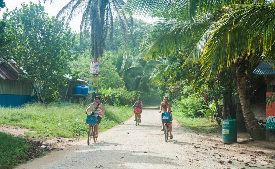 Isla Colon, balade en vélo le long de la plage