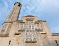 L'église St-Jean-Baptiste est un des icônes du quartier, surtout par son look différent pour une église catholique