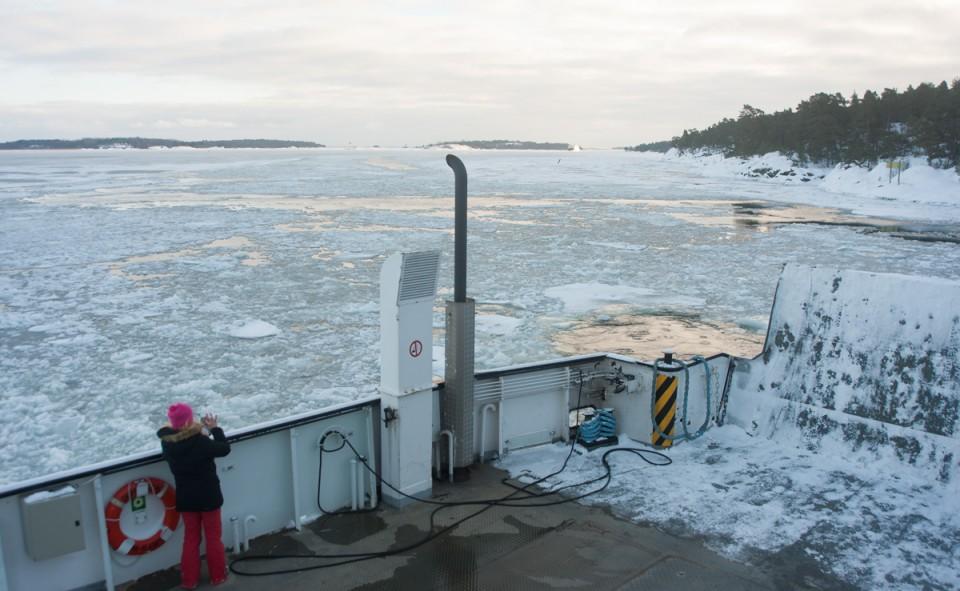 C'est le moment d'un selfie dans les îles Aland en Finlande