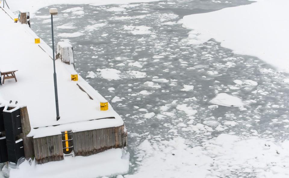 La vue typique à bord de la traverse dans les îles Aland