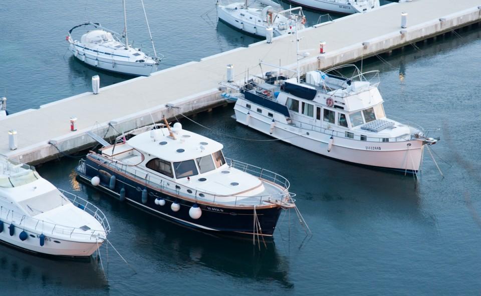 Un port martime sur la côte Ouest italienne, bien déserte en cette basse saison