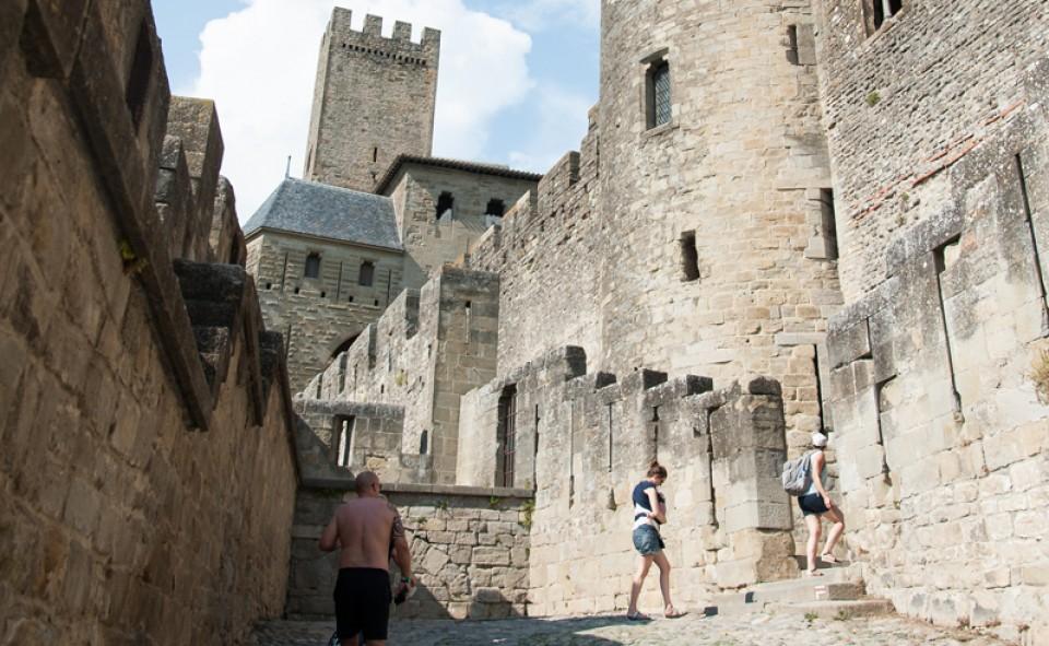 Les vieilles ruelles de la cité de Carcassonne