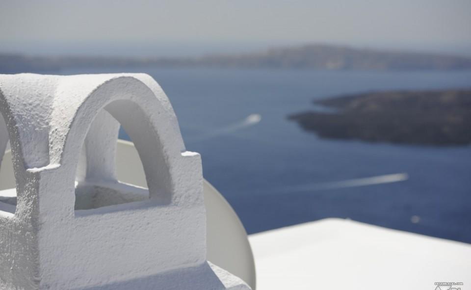 L'île de Santorini est magnifique par la pureté de ses lieux