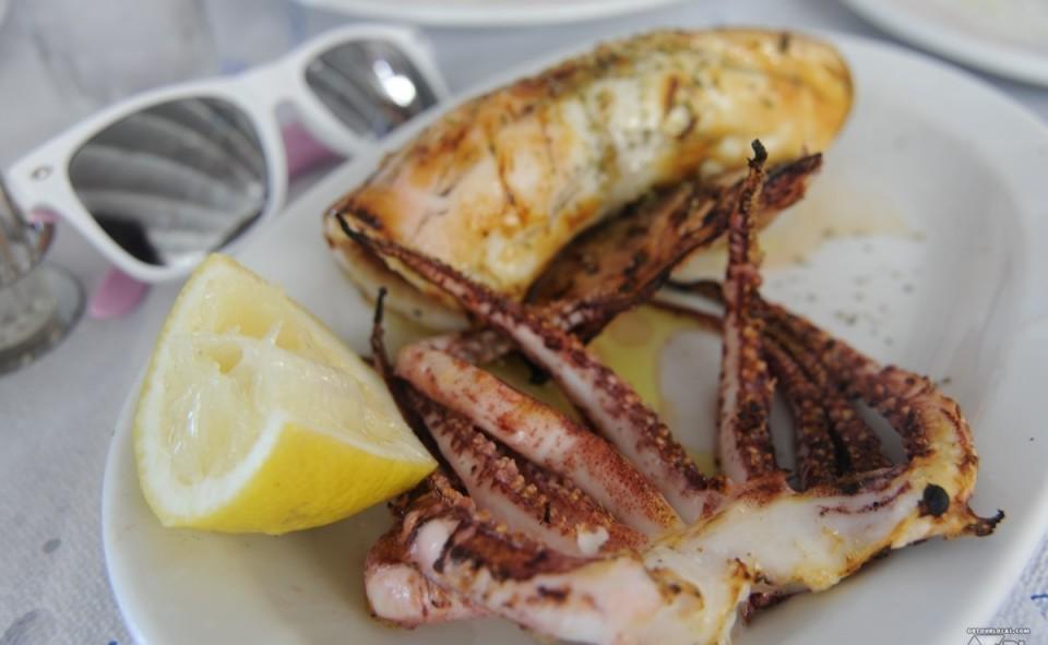 Un bon calamari pour profiter de la farniente de Santorini