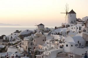 Magnifique vue de Santorini et de ses fameux couchers de soleil