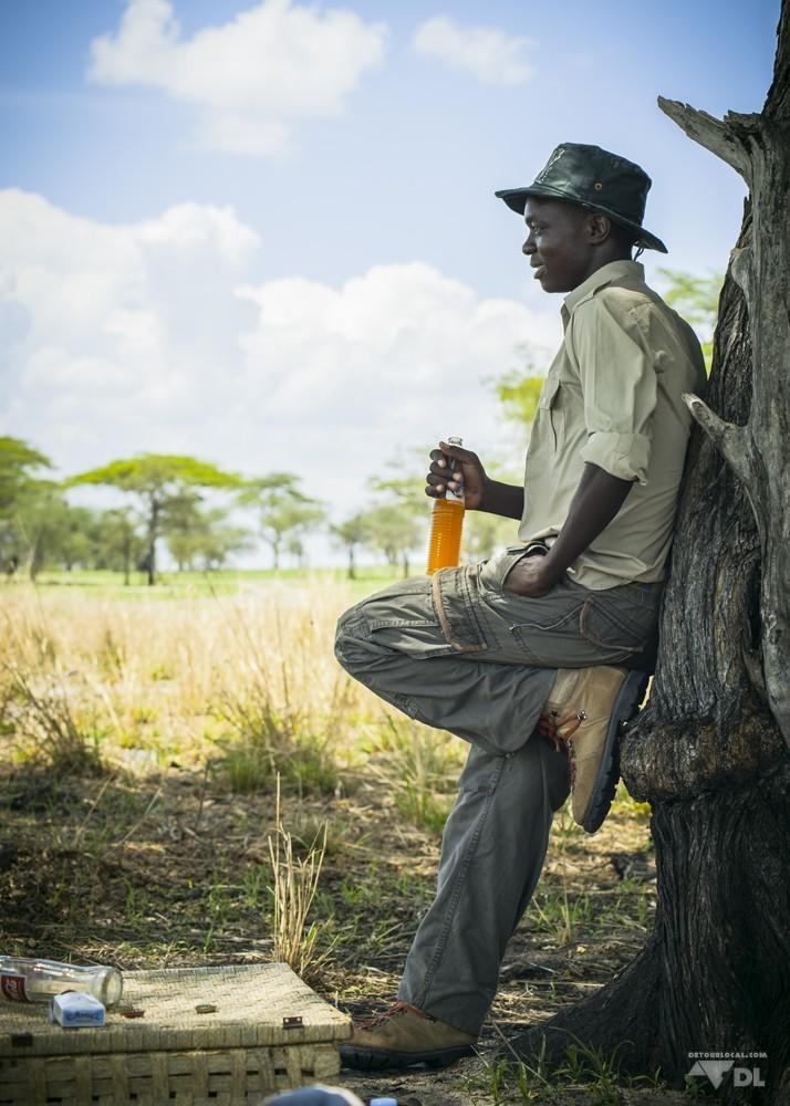 Notre guide pendant la pause du midi, son Fanta à la main