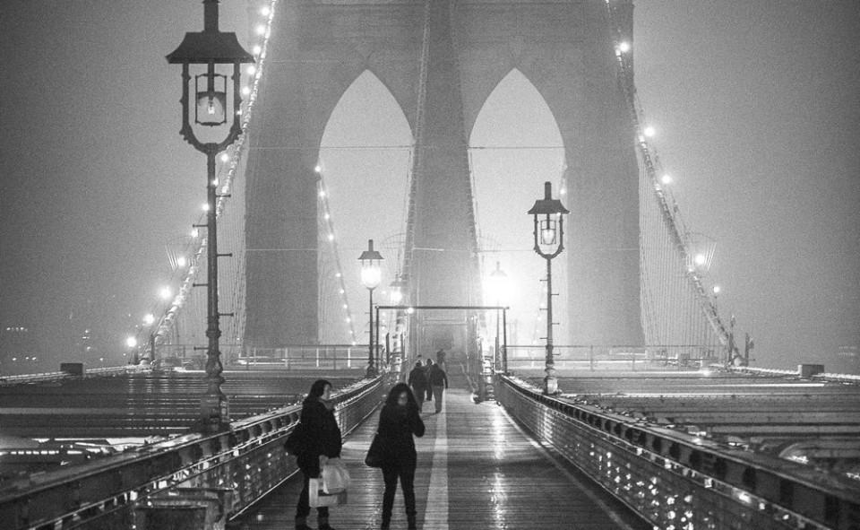 Pont de Brooklyn à visiter de jour et de nuit, le style de photos est complètement différent