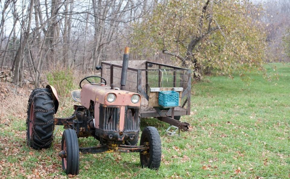 Tracteur pour la récolte des pommes