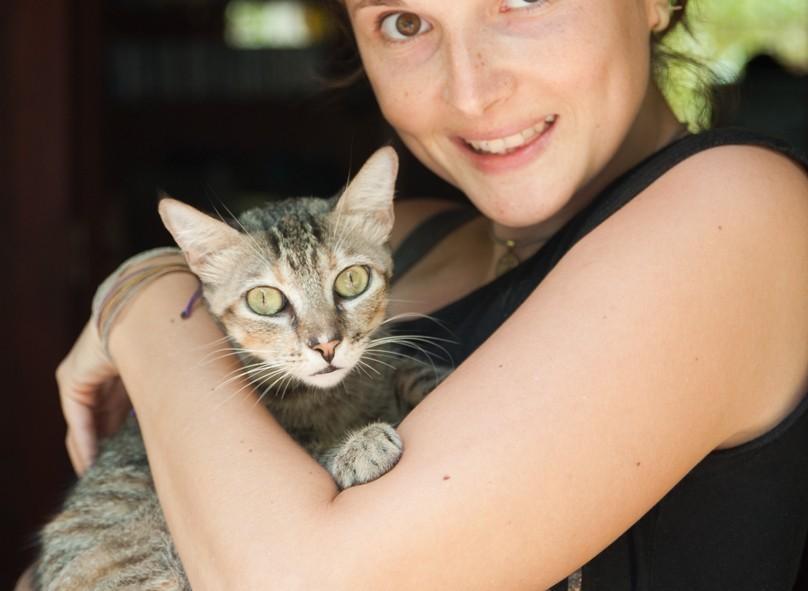 Alizé et un des si mignons et si jolis chats de la maison