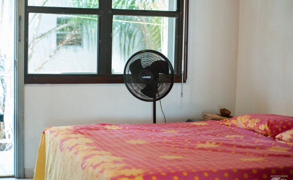 Pour vivre dans un appart sur une île déserte, il faut de grande fenêtre et un ventilo