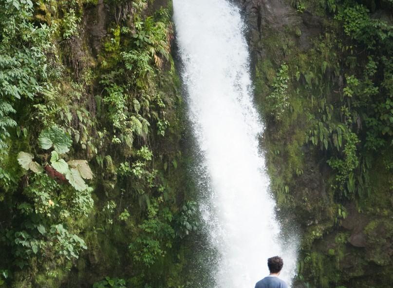 Une des nombreuses chutes d'eau du Costa Rica