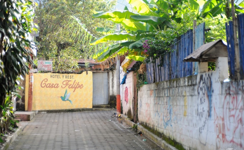 Les installations touristiques du village de San Pedro la Laguna, Guatemala