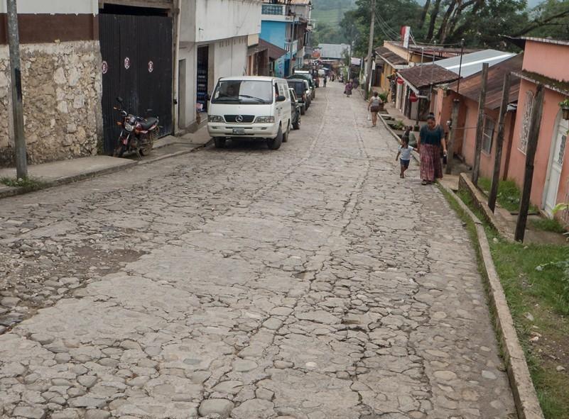Le village près de Semuc Champey au Guatemala