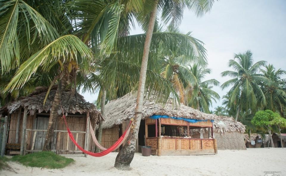 Notre magnifique petite hutte dans les San Blas, hamac en prime!