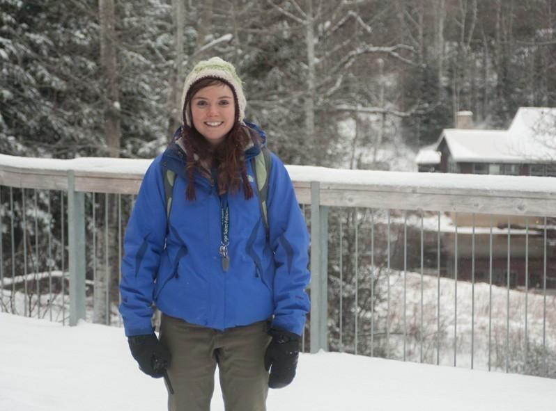 Notre guide hyper-motivé et pleine d'entrain, Sylvianne du zoo de St-Félicien