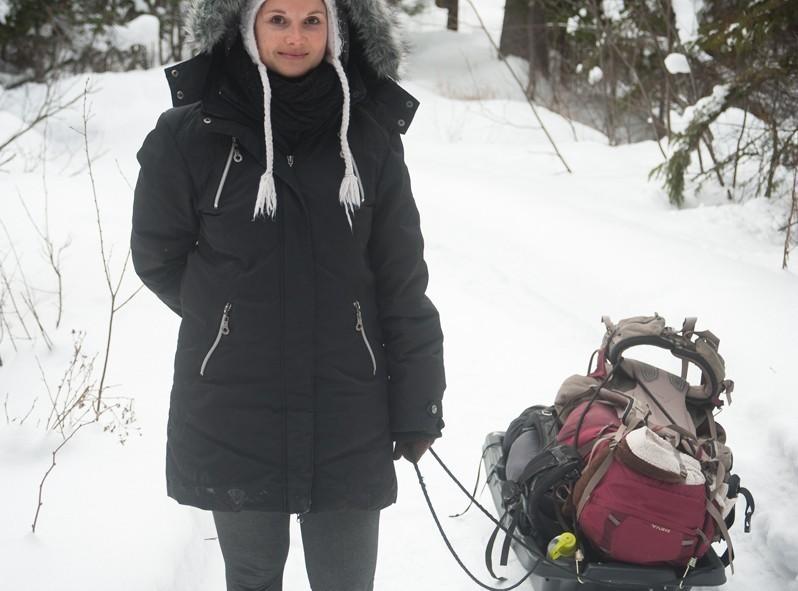 À l'arrivée on peut mettre nos bagages sur des traineaux pour les apporter à notre cabane