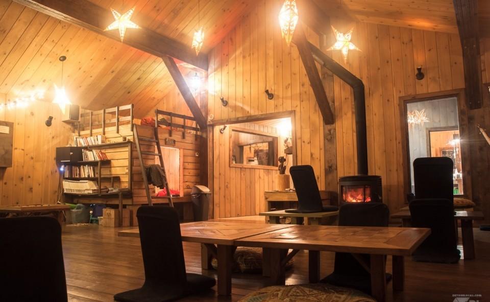 La cabane principale idéale pour flâner par les grandes soirées froides d'hiver