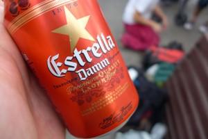 Estrella, la bière nationale de Barcelona (et d'Espagne) à 1€ dans la rue