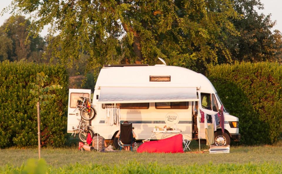 Dormir dans les vignes de St-Émilion en camping car via France Passion