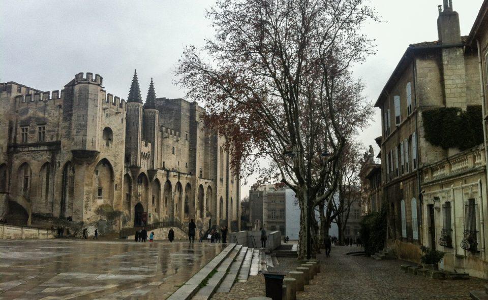 Petit arrêt en chemin à Avignon